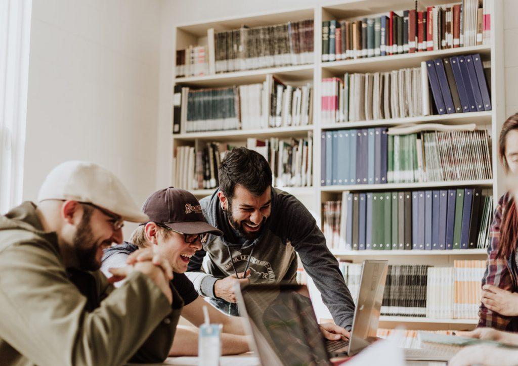 【経験談】職業訓練校でWEBデザインを学ぶメリットとデメリット、徹底解説!